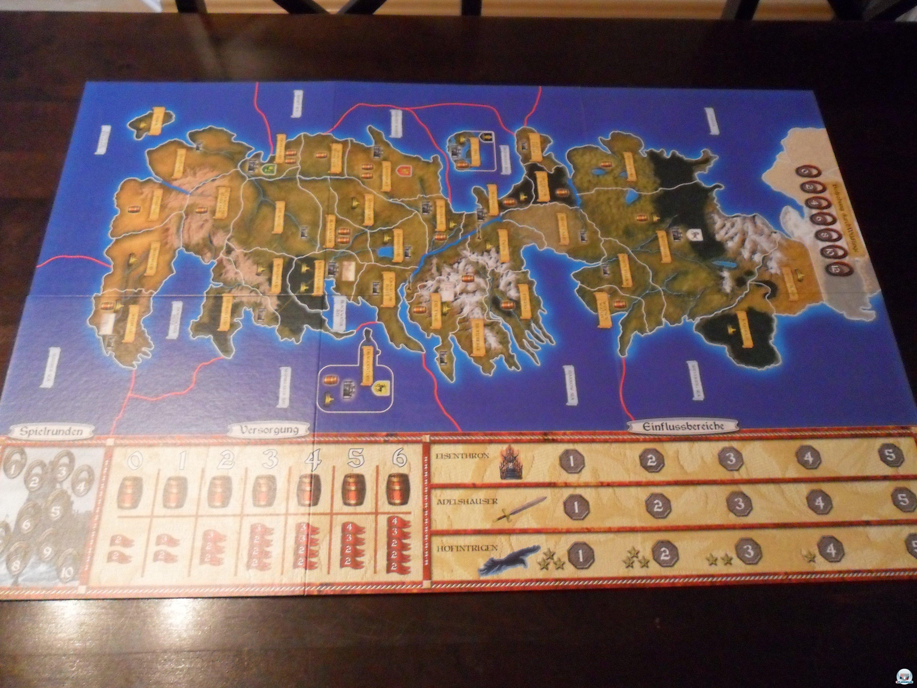 Man braucht viel Platz, wenn man die Karte von Westeros ausbreitet.