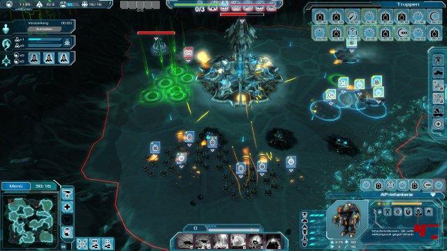 Der Blick auf das Schlachtfeld wird durch unn�tig viele Interface-Bestandteile beschr�nkt.