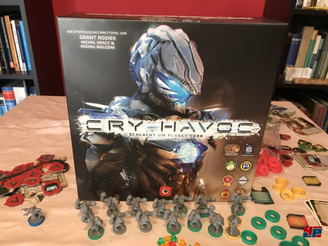 Cry Havoc ist für zwei bis vier Spieler ausgelegt und komplett auf deutsch bei Portal Games erschienen. Es kostet