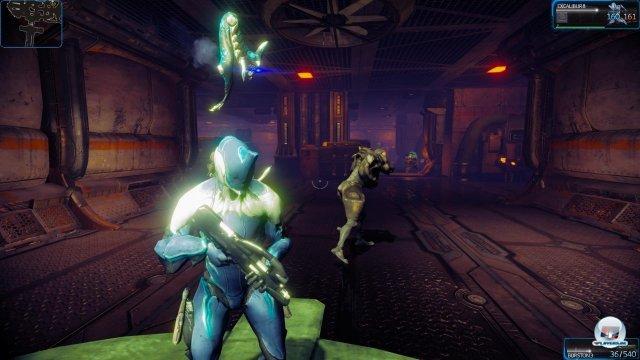 Auch auf der PS4 kämpfen Tenno gegen Grineer, Corpus und Befallene.