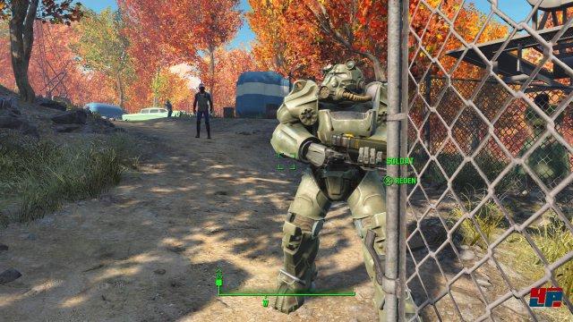 Auch in der heilen Welt des Jahres 2077 gibt es schon Soldaten in Kampfanzügen.