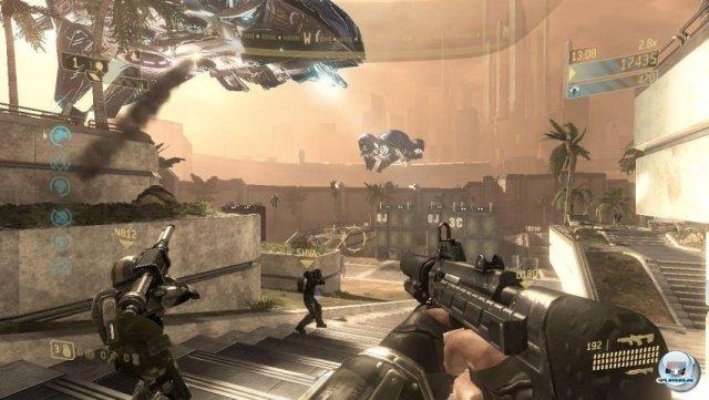 <b>Halo 3: ODST (Xbox 360, 2009)</b> <br><br>   ODST brachte frischen Wind in die Shooter-Routine: Neben dem Multiplayer und der in episodischen Rückblicken erzählten Story gab es erstmals einen von Gears of War abgeschauten Arcade-Modus. Die Jagd auf immer neue Alien-Horden avancierte zum Highlight ? vor allem im Online-Koop mit bis zu drei Mitstreitern. 2288717