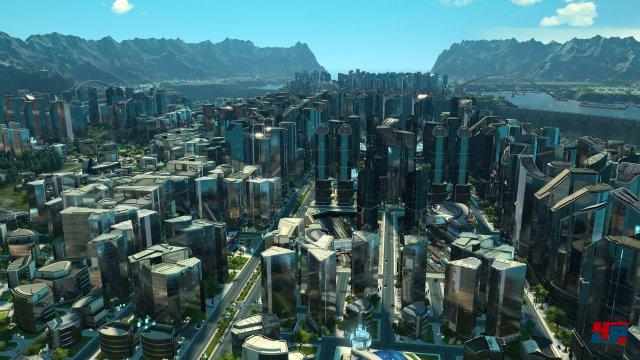 Die schillernde und blitzblank polierte Fassade der futuristischen Großstadt.