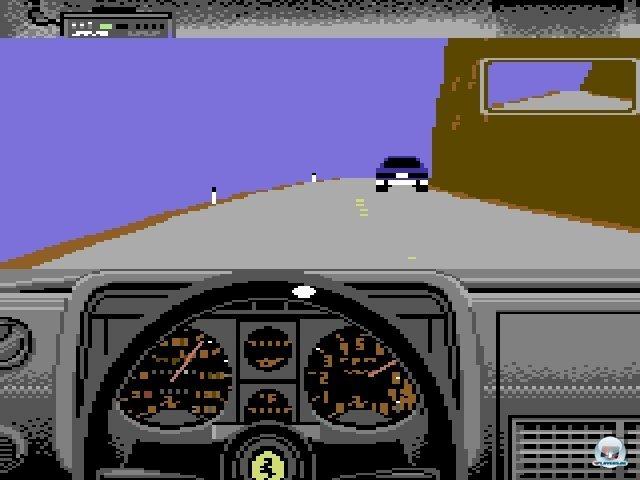 <b>Test Drive</b><br><br> Knifflig wurde es in Accolades Test Drive: Wenn man geblitzt wurde, hing einem ruck-zuck die Polizei am Heck. Auch ohne die Ordnungshüter ließ sich das Gefährt gar nicht so einfach auf den Serpentinen halten. Die damals nicht alltägliche 3D-Darstellung mit Cockpit-Perspektive motivierte aber viele Spieler dazu, sich trotzdem durchzubeißen. Deutlich entspannter spielten sich Tatsumis farbenfrohe Offroad-Rennen in Buggy Boy. 2371832