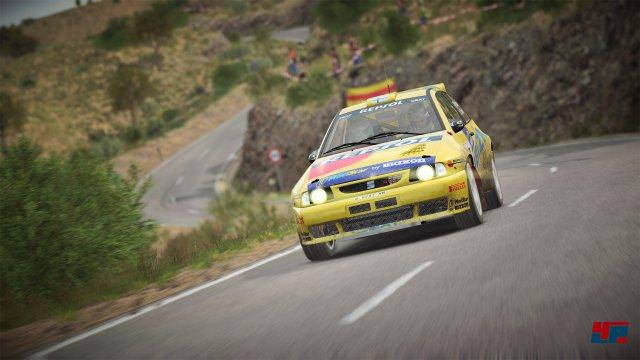 Der Kampf gegen die Uhr und Natur in historischen und modernen Rallye-Karossen steht im Mittelpunkt.