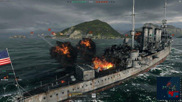 Feuer frei: Wenn die  Kriegsschiffe Breitseiten feuern, steigt ordentlich Rauch auf.