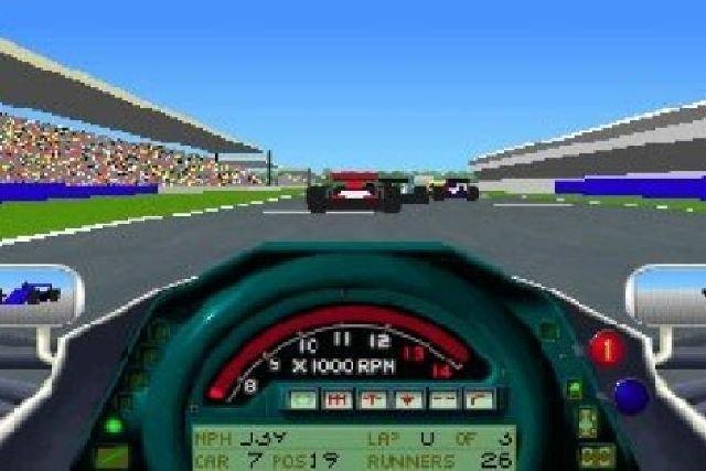 Formula One Grand Prix  <br><br> Auf den Computern dominierte zu dieser Zeit nach wie vor Geoff Crammonds Grand Prix-Serie aus dem Hause MicroProse die virtuelle Formel Eins, obwohl man bei der Premiere 1992 zunächst noch ohne Lizenzen auskommen musste. Gab es damals noch Umsetzungen für den Amiga und Atari ST, konzentrierte sich Crammond mit seinen Assembler-Fähigkeiten anschließend nur noch auf den PC, auf dem noch insgesamt vier Fortsetzungen folgen sollten, die später auch mit Lizenzen ausgestattet wurden. Ursprünglich war auch eine Umsetzung für die erste Xbox geplant, doch die Entwicklung wurde eingestellt. 2270272