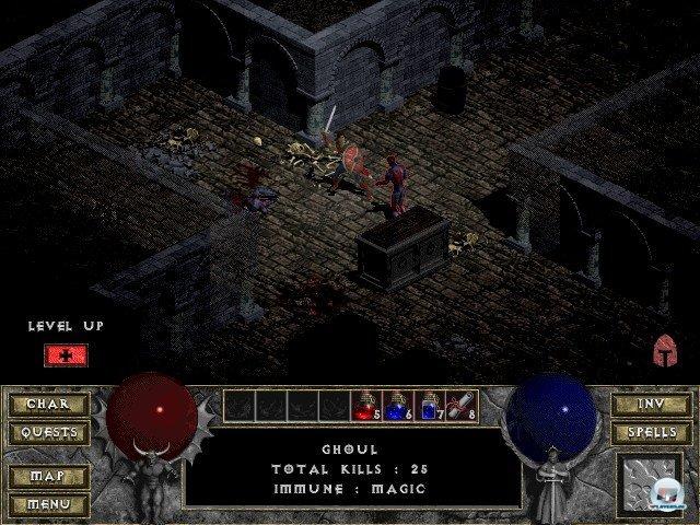 <b>Diablo</b><br><br> Blizzards Action-Rollenspiel Diablo aus dem Jahr 1996 war zwar kein klassisches Roguelike, baute aber auf dem Prinzip auf und machte es massentauglich: Schließlich schnetzelte man sich auch hier durch immer stärkere Monster, schnappte sich Schätze und erledigte Quests in zufallsgenerierter Umgebung. 92413762