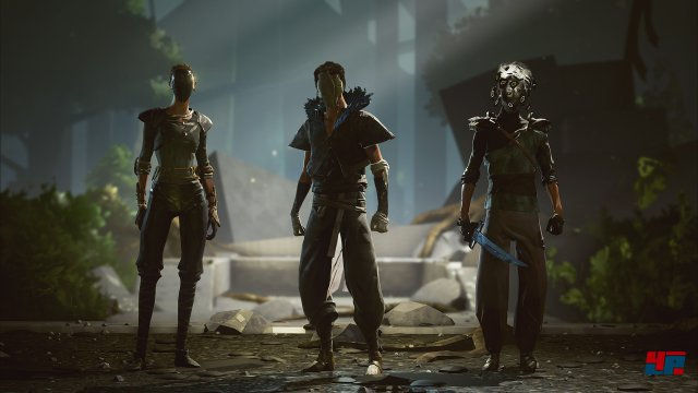 Die Anwärter tragen alle Masken.
