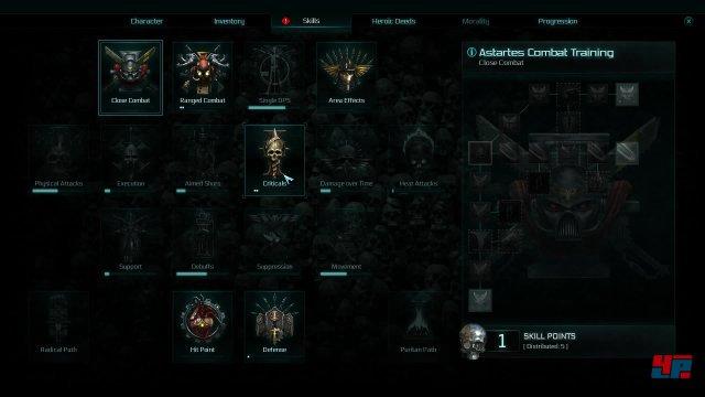 Die Charakterentwicklung ist vielschichtig und auf passive Fähigkeiten konzentriert. Die Angriffs-Optionen ergeben sich durch die gut 40 unterschiedlichen Waffensysteme, von denen man zwei Sets ausrüsten darf.