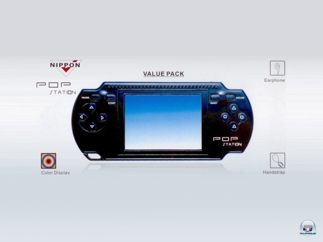 <b>Pop Station</b><br><br> Die PSP war in den vergangenen Jahren bei Nachahmern besonders beliebt. In LCD-Spielchen wie der Pop Station oder der PCP Station wird beim Spielwechsel der komplette Bildschirm ausgebaut. Auf Knopfdruck lässt sich der Screen herauspulen und ein neuer mit Gewalt hineinzwängen. In der Packung stecken Titel mit so obskuren Namen wie Super Mary, Nonsuch Fly Racing oder Chanticleer Hegemony. Ebenfalls fast immer dabei ist eine grottige Street-Fighter-Kopie, in der die Kämpfer sich ihre eigenen Arme und Beine ausreißen und durch die Luft schleudern. 2376597