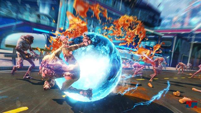 Auch Nahkampf-Attacken lassen sich aufmotzen. Davon abgesehen sollte man sich aber nicht lange am Boden aufhalten, sonst rücken einem binnen Sekunden (teils explosive) Mutanten auf den Leib!